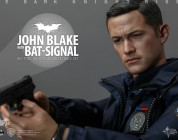 TDKR: 1/6th scale John Blake with Bat-Signal Collectible Set