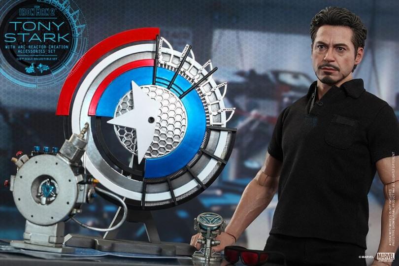 Iron Man 2: Tony Stark w/ Arc Reactor Creation Accessories
