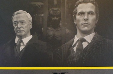 Hot Toys: Batman Armory Unboxing Video